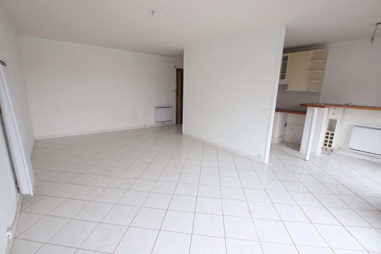 vente 13008 marseille prado michelet t3 avec balcon terrasse cabinet savonitto. Black Bedroom Furniture Sets. Home Design Ideas